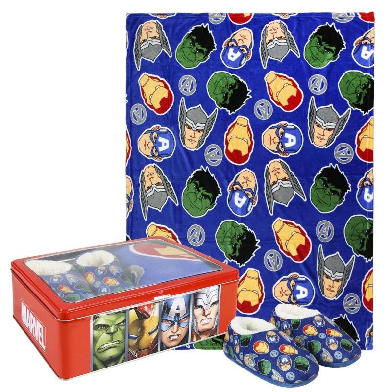 Dárková sada v kovové krabičce s hrdiny Avengers / fleecová deka / měkká domácí obuv / velikost 32 / 33