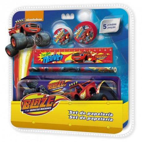 Kovový penál s vybavením Blaze and The Monster Machines / Plamínek a Čtyřkoláci